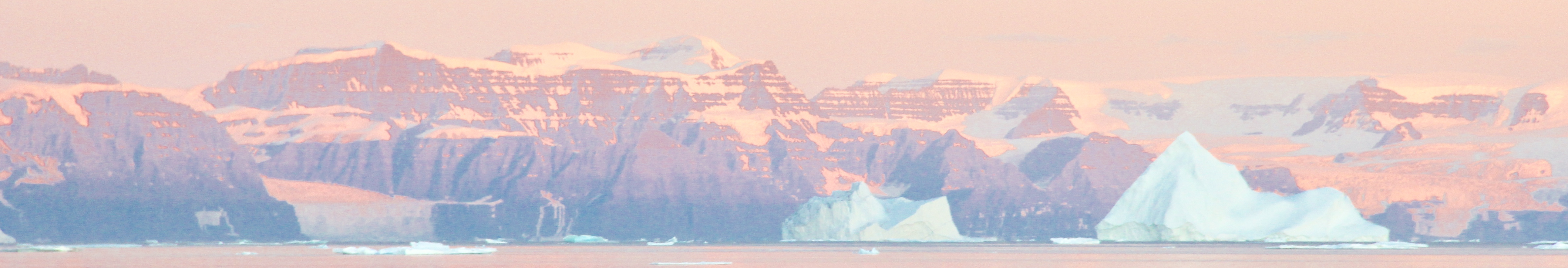 icebergs seen from the tecla